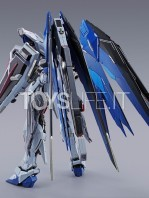 bandai-gundam-freedom-concept-2-metal-build-figure-toyslife-03