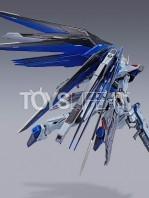 bandai-gundam-freedom-concept-2-metal-build-figure-toyslife-08