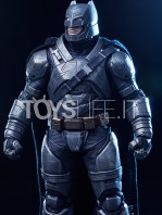 batman-vs-superman-batman-armored-toyslife-01