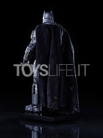 batman-vs-superman-batman-armored-toyslife-03