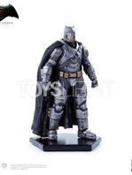 batman-vs-superman-batman-armored-toyslife-07