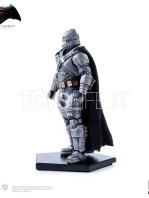 batman-vs-superman-batman-armored-toyslife-08