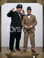 big-chief-stan-laurel-and-oliver-hardy-classic-suits-figures-pack-toyslife.01