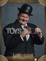 big-chief-stan-laurel-and-oliver-hardy-classic-suits-figures-pack-toyslife.05