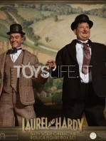 big-chief-stan-laurel-and-oliver-hardy-classic-suits-figures-pack-toyslife.07