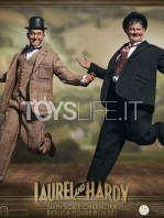 big-chief-stan-laurel-and-oliver-hardy-classic-suits-figures-pack-toyslife.08