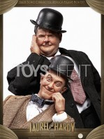 big-chief-stan-laurel-and-oliver-hardy-classic-suits-figures-pack-toyslife.09
