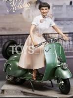 blitzway-roman-holiday-princess-ann-and-1951-vespa-statue-toyslife-icon