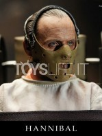 blitzway-the-silence-of-the-lambs-hannibal-lecter-straitjacket-version-figure-toyslife-03
