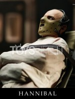 blitzway-the-silence-of-the-lambs-hannibal-lecter-straitjacket-version-figure-toyslife-04