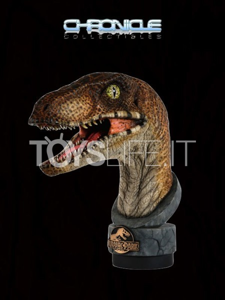 chronicle-collectibles-jurassik-park-velociraptor-bust-toyslife-icon