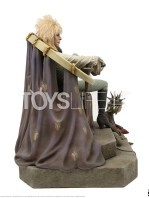 chronicle-collectibles-labyrinth-jareth-on-the-throne-statue-toyslife-02