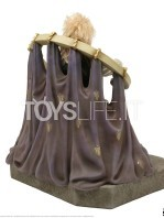 chronicle-collectibles-labyrinth-jareth-on-the-throne-statue-toyslife-03