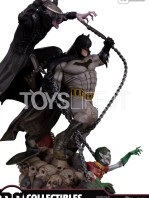 dc-batman-who-laughts-battle-statue-toyslife-01