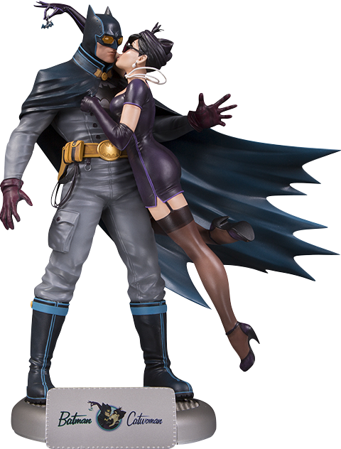 dc-bombshells-batman-and-catwoman-statue-toyslife