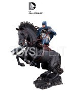 dc-comics-batman-call-to-the-arms-mini-statue-toyslife-icon