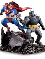 dc-comics-batman-vs-superman-mini-statue-toyslife-01