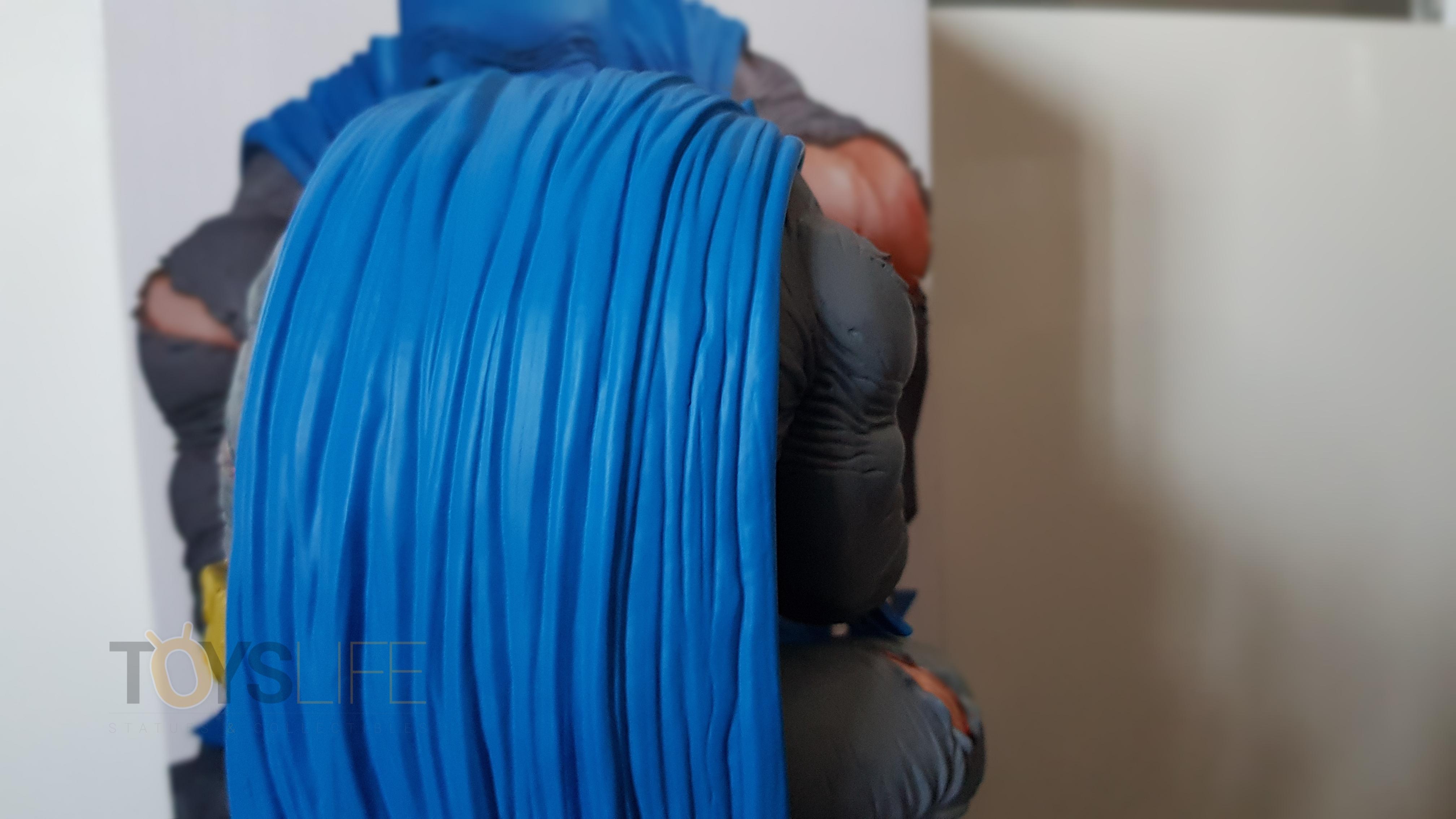 dc-designer-batman-by-frank-miller-statue-toyslife-review-11