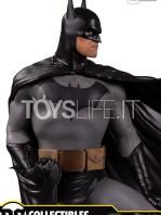 dc-designer-series-batman-by-alex-ross-statue-toyslife-02