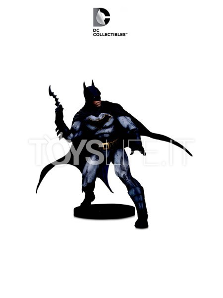 dc-designer-series-batman-statue-by-olivier-coipel-toyslife-icon