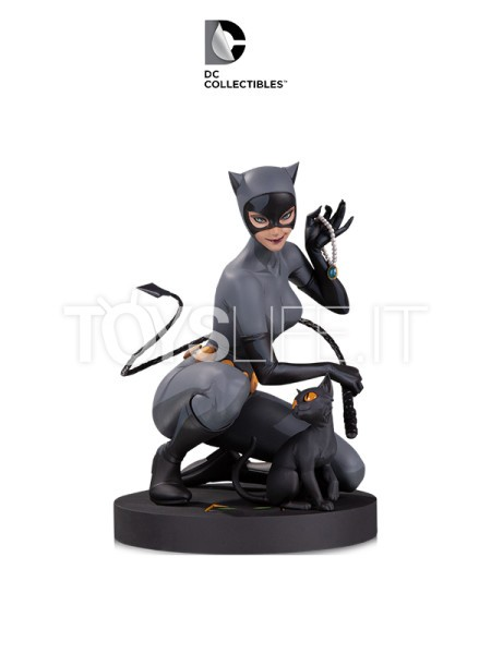 dc-designer-series-catwoman-1:6-statue-by-artgerm-toyslife-icon