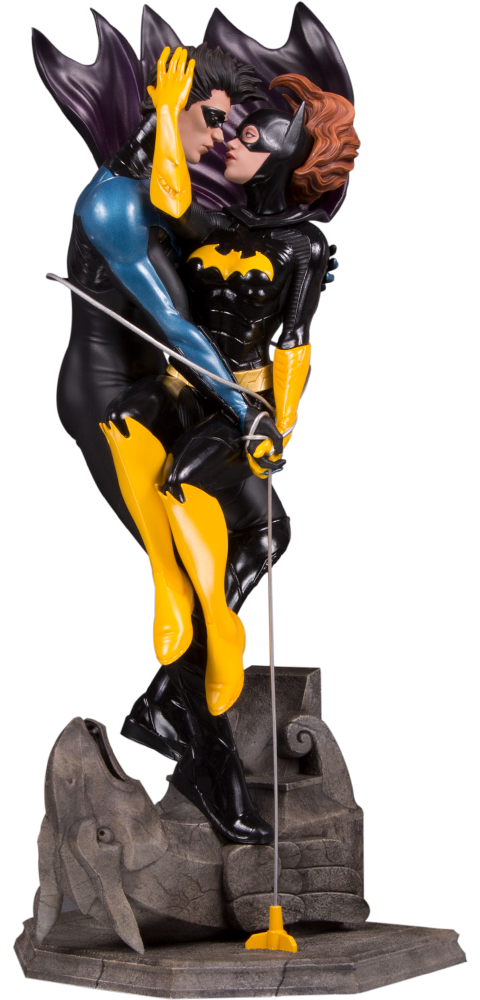 dc-designer-series-nightwing-and-batgirl-statue-toyslife
