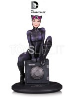 dc-direct-cover-girls-catwoman-by-joelle-jones-statue-toyslife-icon