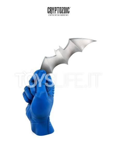 diamond-select-dc-batman-hand-statue-toyslife-icon