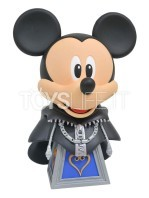diamond-select-legends-in-3d-kingdom-hearts-mickey-1:2-bust-toyslife-01