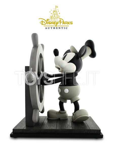disney-parks-authentic-steamboat-willie-toyslife-icon
