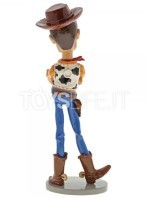 disney-showcase-toy-story-woody-toyslife-02