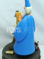 disneypark-autenthic-the-sword-in-the-stone-merlin-statue-toyslife-02