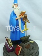 disneypark-authentic-the-sword-in-the-stone-merlin-statue-toyslife-icon