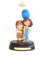 disneypark-authentics-up-carl-&-ellie-10th-anniversary-statue-toyslife-icon