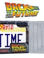doctor-collector-back-to-the-future-delorean-metal-plate-replica-toyslife-03