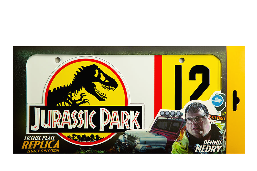 doctor-collector-jurassic-park-dennis-nedry-metal-plate-replica-toyslife