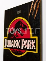 doctor-collector-wood-art-movies-jurassic-park-1993-art-toyslife-03