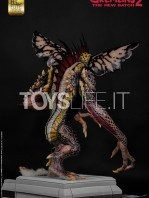 elite-creatures-collectibles-gremlins-2-mohawk-lifesize-replica-toyslife-05