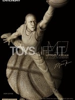 enterbay-michael-jordan-collection-jordan-sculpture-ivory-version-toyslife-02