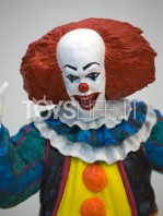 factory-entertainment-it-pennywise-premium-statue-toyslife-03
