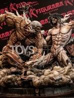 figurama-attack-on-titan-eren-vs-armored-titan-exclusive-statue-toyslife-01
