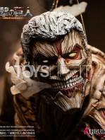 figurama-attack-on-titan-eren-vs-armored-titan-exclusive-statue-toyslife-13