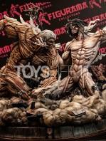 figurama-attack-on-titan-eren-vs-armored-titan-exclusive-statue-toyslife-icon