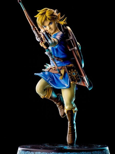 first-4-figures-zelda-breath-of-the-wild-link-statue-toyslife-icon