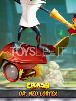 first4figures-crash-bandicoot-neo-cortex-statue-toyslife-09