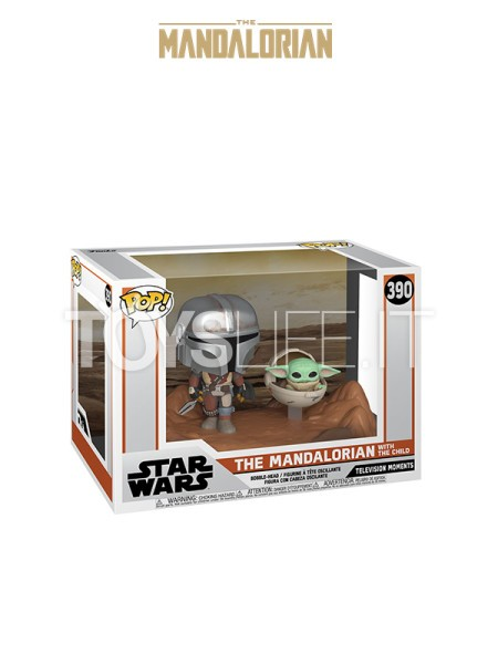 funko-movie-moments-star-wars-the-mandalorian-the-mandalorian-with-the-child-toyslife-icon