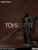 gecco-dark-souls-black-knight-kurokishi-pvc-statue-toyslife-02