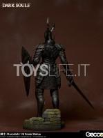 gecco-dark-souls-black-knight-kurokishi-pvc-statue-toyslife-04