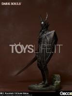gecco-dark-souls-black-knight-kurokishi-pvc-statue-toyslife-06
