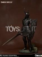 gecco-dark-souls-black-knight-kurokishi-pvc-statue-toyslife-07